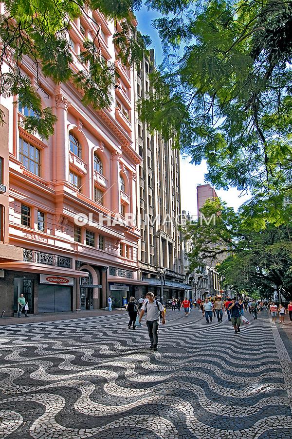 Rua dos Andradas na cidade de Porto Alegre. Rio Grande do Sul. 2008. Foto de Juca Martins.