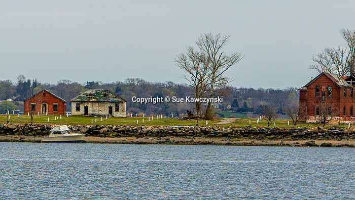 APRIL 14, 2020: Hart Island, located near City Island, in The Bronx.  Hart Island is New York City's Potters Field, were unclaimed bodies, including those COVID 19 victims, go to be buried. The Bronx,  NY.  Sue Kawczynski-Eclipse Sportswire