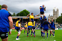 Dave Attwood of Bath Rugby wins the ball at a lineout during the pre-match warm-up. Gallagher Premiership match, between Bath Rugby and Gloucester Rugby on September 8, 2018 at the Recreation Ground in Bath, England. Photo by: Patrick Khachfe / Onside Images