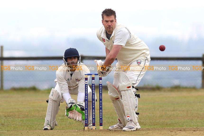 Havering-atte-Bower CC (batting) vs Hornchurch Athletic CC - Mid-Essex Cricket League at Broxhill Road - 20/06/15 - MANDATORY CREDIT: Gavin Ellis/TGSPHOTO - Self billing applies where appropriate - contact@tgsphoto.co.uk - NO UNPAID USE