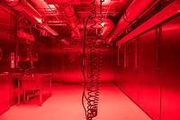 Pressetermin des Robert Koch-Instituts vor der Inbetriebnahme des Hochsicherheitslabors der Schutzstufe S4.<br /> In dem Labor der hoechsten Schutzstufe koennen am Standort Seestra&szlig;e in Berlin-Wedding hochansteckende, lebensbedrohliche Krankheitserreger wie Ebola-, Lassa- oder Nipah-Viren sicher untersucht werden.<br /> Der Betriebsbeginn ist am 31. Juli 2018.<br /> Im Bild: Blick in den &quot;Tierhaltungs-Raum&quot;.<br /> ACHTUNG: Sperrfrist der Veroeffentlichung ist bis 25. Juli 2018 9.00 Uhr!<br /> 24.7.2018, Berlin<br /> Copyright: Christian-Ditsch.de<br /> [Inhaltsveraendernde Manipulation des Fotos nur nach ausdruecklicher Genehmigung des Fotografen. Vereinbarungen ueber Abtretung von Persoenlichkeitsrechten/Model Release der abgebildeten Person/Personen liegen nicht vor. NO MODEL RELEASE! Nur fuer Redaktionelle Zwecke. Don't publish without copyright Christian-Ditsch.de, Veroeffentlichung nur mit Fotografennennung, sowie gegen Honorar, MwSt. und Beleg. Konto: I N G - D i B a, IBAN DE58500105175400192269, BIC INGDDEFFXXX, Kontakt: post@christian-ditsch.de<br /> Bei der Bearbeitung der Dateiinformationen darf die Urheberkennzeichnung in den EXIF- und  IPTC-Daten nicht entfernt werden, diese sind in digitalen Medien nach &sect;95c UrhG rechtlich geschuetzt. Der Urhebervermerk wird gemaess &sect;13 UrhG verlangt.]