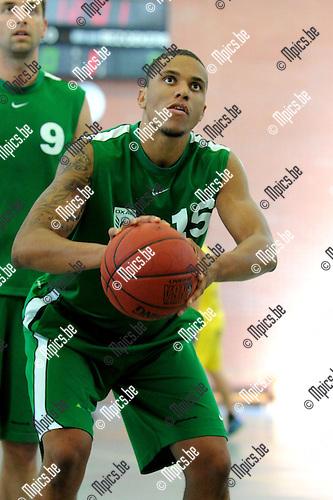 2013-08-15 / Basketbal / seizoen 2013-2014 / Oxaco / Enoch Derby<br /><br />Foto: Mpics.be