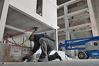 - EUCENTRE - European Centre for Earthquake Engineering, control of the damages produced on a small building  half size of natural in reinforced concrete and bricks....- EUCENTRE, Centro Europeo per l'Ingegneria Antisismica, controllo dei danni prodotti su una palazzina in cemento armato e mattoni in scala 1/2 del naturale........