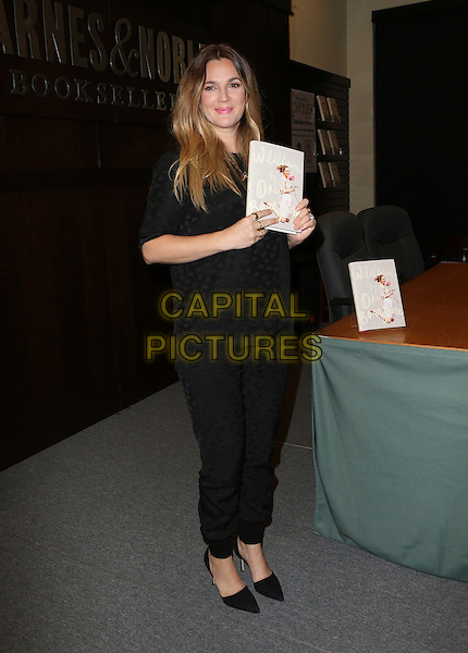 Los Angeles, CA - November 04 Drew Barrymore Attending Drew Barrymore Signing copies of her new book  &quot;Wildflower&quot; At Barnes &amp; Noble located at The Grove On November 04, 2015. <br /> CAP/MPI/FS<br /> &copy;FS/MPI/Capital Pictures