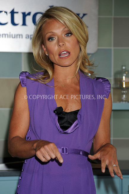 WWW.ACEPIXS.COM . . . . . ....April 3 2008, New York City....Actress and TV personality Kelly Ripa attends the'Electrolux supports the Ovarian Cancer Research Fund' event at the Glass Houses in Manhattan....Please byline: KRISTIN CALLAHAN - ACEPIXS.COM.. . . . . . ..Ace Pictures, Inc:  ..(646) 769 0430..e-mail: info@acepixs.com..web: http://www.acepixs.com