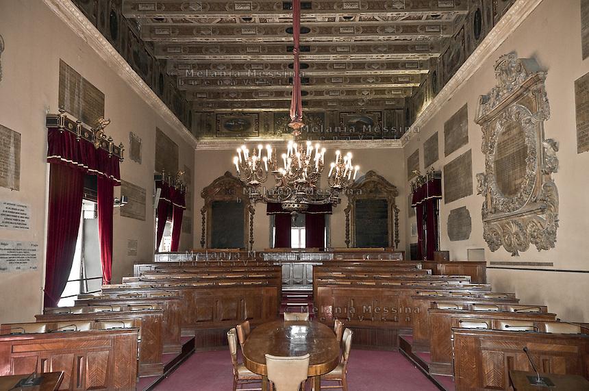 Palermo; palazzo delle aquile, sala delle lapidi.<br /> Palermo: town hall assembly room