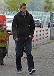18.10.2010, Trainingsgelaende Werder Bremen, Bremen, GER, 1. FBL, Training Werder Bremen, im Bild Per Mertesacker (Bremen #29)   Foto © nph / Frisch
