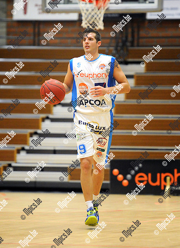 2013-10-01 / Basketbal / seizoen 2013-2014 / Kangoeroes Willebroek / Luke Loucks<br />