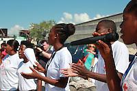 Campo de desplazados Hancho 2. Canciones con mensaje para parar el cólera. Foto: B. Garlaschi/CRE
