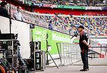 nph00351:  Fussball, 1. Bundesliga, Saison 19/20, 26. Spieltag, Fortuna Düsseldorf - FC Paderborn 07, 16.05.2020:<br /> Trainer Steffen Baumgart (SC Paderborn 07, r.) im Interview vor dem Spiel.<br /> <br /> Foto: Moritz Müller/Pool /Verbreitung via Meuter/nordphoto<br /> <br /> Nur für journalistische Zwecke! Only for editorial use!<br /> <br /> Gemäß den Vorgaben der DFL Deutsche Fußball Liga ist es untersagt, in dem Stadion und/oder vom Spiel angefertigte Fotoaufnahmen in Form von Sequenzbildern und/oder videoähnlichen Fotostrecken zu verwerten bzw. verwerten zu lassen. DFL regulations prohibit any use of photographs as image sequences and/or quasi-video.