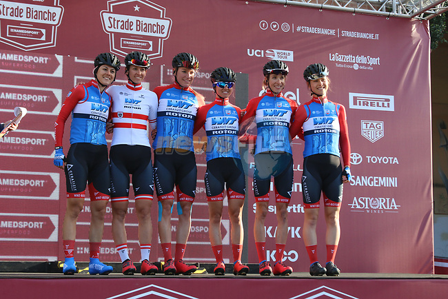 WNT Rotor Pro Cycling Team at sign on before the Strade Bianche Women Elite 2019 running 133km from Siena to Siena, held over the white gravel roads of Tuscany, Italy. 9th March 2019.<br /> Picture: Seamus Yore | Cyclefile<br /> <br /> <br /> All photos usage must carry mandatory copyright credit (© Cyclefile | Seamus Yore)