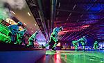 V&auml;ster&aring;s 2015-01-11 Bandy Elitserien V&auml;ster&aring;s SK  - Broberg S&ouml;derhamn :  <br /> V&auml;ster&aring;s spelare g&ouml;r entr&eacute; p&aring; isen i ABB Arena under ett intro inf&ouml;r matchen mellan V&auml;ster&aring;s SK  och Broberg S&ouml;derhamn <br /> (Foto: Kenta J&ouml;nsson) Nyckelord:  Bandy Elitserien ABB Arena Syd V&auml;ster&aring;s SK VSK Broberg S&ouml;derhamn inomhus interi&ouml;r interior intro