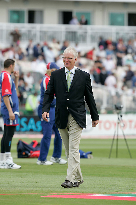 Photo: Peter Phillips..England v Australia. nPower Test Match Series, The Ashes 3rd Test. 12/08/2005..Lancashire and Englaqnd fast bowler Paul Alllott at Old Trafford for channel 4 today