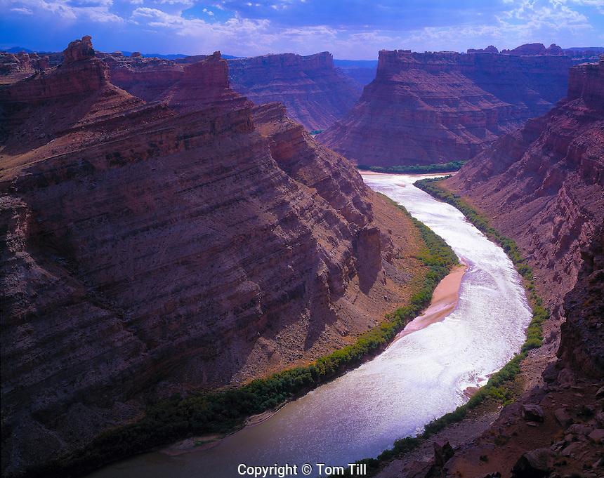 The Confluence, Canyonlands National Park, Utah Colorado River    View downstream