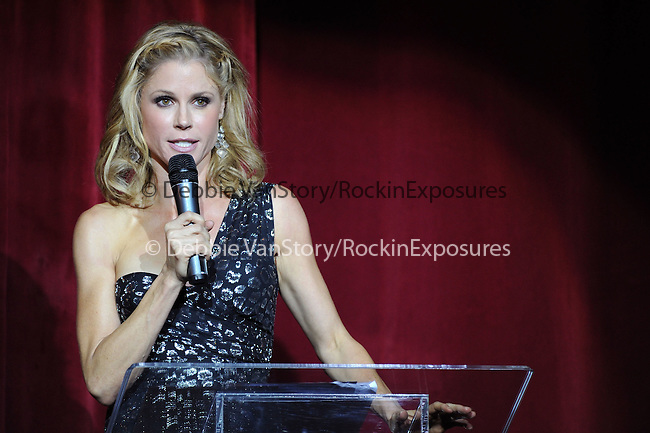 Julie Bowen at the Les Girls 10th Annual Cabaret fundraiser for National Breast Cancer Coalition Fund -NBCCF- held at Avalon in Hollywood, California on October 04,2010                                                                               © 2010 Debbie VanStory / RockinExposures
