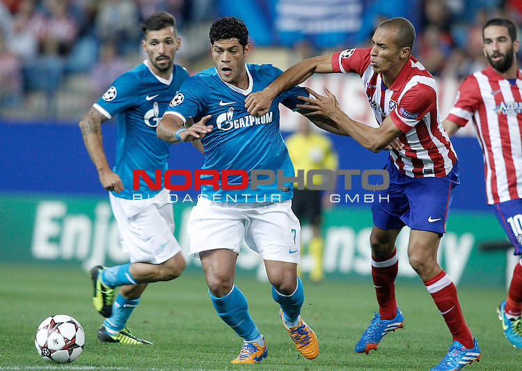 Atletico de Madrid's Joao Miranda (r) and Football Club Zenit's Hulk during Champions League 2013/2014 match.September 18,2013. Foto © nph / Acero)