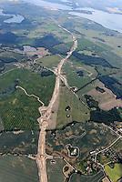 Autobahnbaustelle: EUROPA, DEUTSCHLAND, MECKLENBURG VORPOMMERN  (GERMANY), 24.06.2008: Die Bundesautobahn 14, BAB 14, Autobahn 14 ,  A 14, in Deutschland, Baustelle, Neubau, bei Liessow, hinten der Schweriner See, Ader, Luftaufnahme, Luftbild, Luftansicht, .c o p y r i g h t : A U F W I N D - L U F T B I L D E R . de.G e r t r u d - B a e u m e r - S t i e g 1 0 2, 2 1 0 3 5 H a m b u r g , G e r m a n y P h o n e + 4 9 (0) 1 7 1 - 6 8 6 6 0 6 9 E m a i l H w e i 1 @ a o l . c o m w w w . a u f w i n d - l u f t b i l d e r . d e.K o n t o : P o s t b a n k H a m b u r g .B l z : 2 0 0 1 0 0 2 0  K o n t o : 5 8 3 6 5 7 2 0 9.C o p y r i g h t n u r f u e r j o u r n a l i s t i s c h Z w e c k e, keine P e r s o e n l i c h ke i t s r e c h t e v o r h a n d e n, V e r o e f f e n t l i c h u n g n u r m i t H o n o r a r n a c h M F M, N a m e n s n e n n u n g u n d B e l e g e x e m p l a r !.