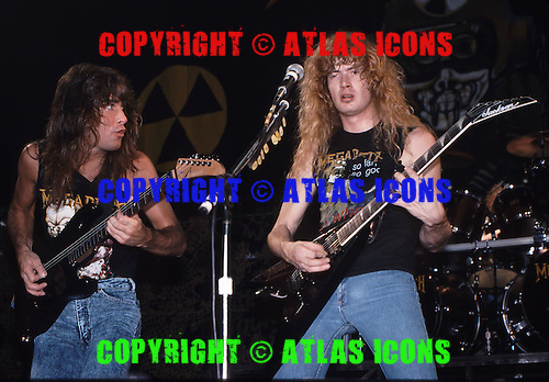 MEGADETH, LIVE AND BACKSTAGE, 1991, NEIL ZLOZOWER