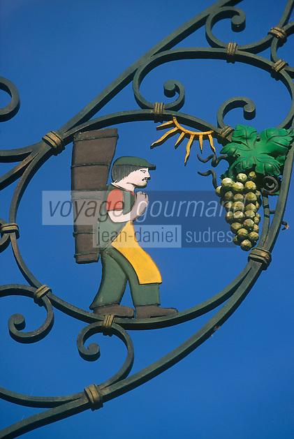 Europe/France/Alsace/68/Haut-Rhin/Eguisheim: Enseigne Viticulteur Route des Grands Crus