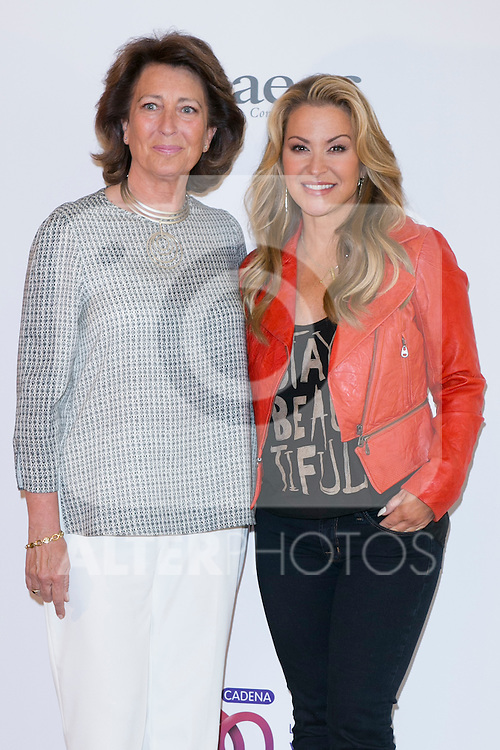 "US singer ANASTACIA (Right)  and Isabel Oriol (President of the Spanish Aginst Cancer Asociation) at the presentation of her new album ""Resurrection"" an the Charity Concert ""Por Ellas"" at the Spanish Against Cancer Asociation (AECC) building in Madrid, Spain. May 20, 2014. (ALTERPHOTOS/Carlos Dafonte)"