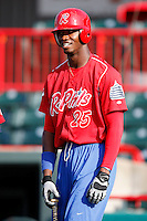 August 1, 2009:  Right Fielder Domonic Brown of the Reading Phillies before a game at Jerry Uht Park in Erie, PA.  Reading is the Eastern League Double-A affiliate of the Philadelphia Phillies.  Photo By Mike Janes/Four Seam Images