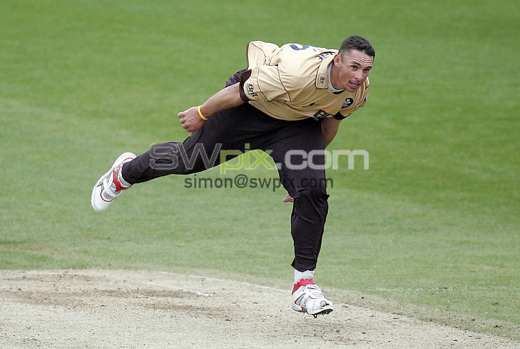 PICTURE BY VAUGHN RIDLEY/SWPIX.COM - Cricket - Friends Provident Trophy - Yorkshire v Surey - Headingley, Leeds, England - 04/05/09...Copyright - Simon Wilkinson - 07811267706...Surrey's Andre Nel bowls.