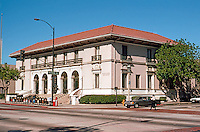 Pasadena CA: Old Pasadena Post Office, NW corner of Colorado & Garfield. Oscar Wenderoth, 1913.  Photo '05.
