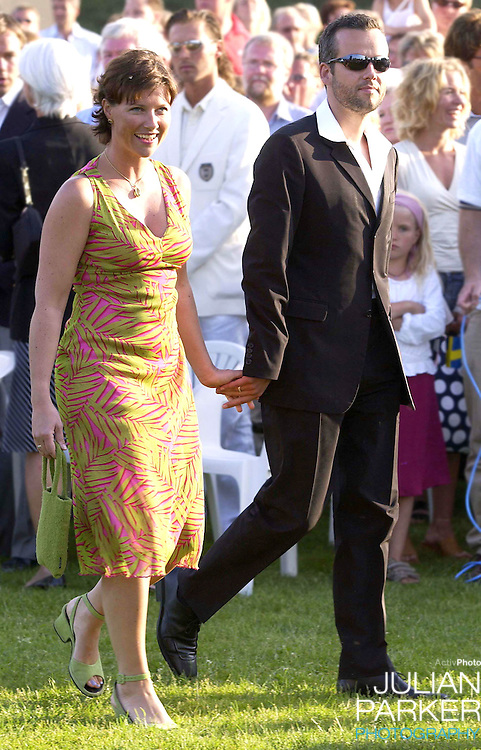CONCERT IN BERGHOLM TO CELEBRATE CROWN PRINCESS VICTORIA.OF SWEDEN'S 25TH BIRTHDAY.  14/7/02 . PICTURE: UK PRESS  (ref 5105-28).PRINCESS MARTHA LOUISE AND ARI BEHN.