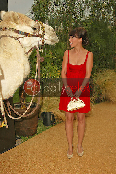 Jennifer Love Hewitt<br /> at the King Tut Returns to LACMA for a Five-Month Engagement, LACMA, Los Angeles, CA 06-15-05<br /> David Edwards/DailyCeleb.Com 818-249-4998