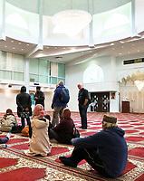 Nederland  Amsterdam - 2017. Djame Masdjied Taibah  in Zuidoost. Rondleiding in de Taibah moskee tijdens 24H Zuidoost.  Foto mag niet in schadelijke context voor de gefotografeerde personen worden gepubliceerd.   Foto Berlinda van Dam / Hollandse Hoogte