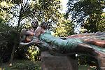 Nel parco della Reggia di Racconigi esposizione di Scultura internazionale. Scultura di Paolo Borghi.