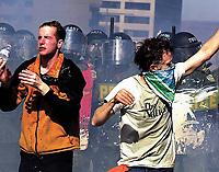 SOMMET DES AMERIQUES QUEBEC 2001 MANIFESTATION<br /> PHOTO JACQUES NADEAU<br /> AVRIL 2001