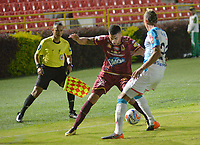 IBAGUÉ- COLOMBIA , 8-04-2018:Acción de juego entre los equipos Deportes Tolima y Atlético Junior  durante partido por la fecha 13 de la Liga Águila I 2018 jugado en el estadio Manuel Murillo Toro de la ciudad de Ibagué. / Action game between Deportes Tolima and Atletico Junior during match for the date 13 of the Aguila League I 2018 at Manuel Murillo Toro  stadium in Ibague city. Photo: VizzorImage  /Juan Carlos Escobar / Contribuidor