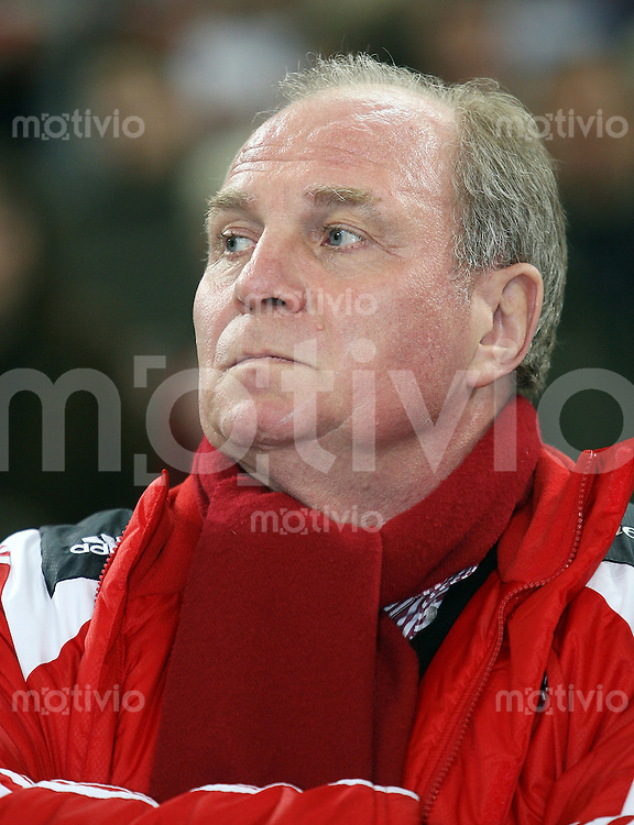 FUSSBALL     1. BUNDESLIGA/DFB POKAL     SAISON 2007/2008 Manager Uli HOENESS (FC Bayern Muenchen) blickt nach links