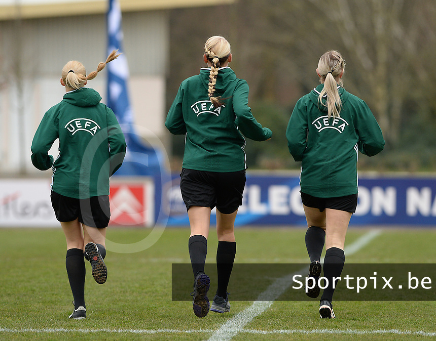 20160319 - FLERS , FRANCE : referees during the warming up pictured during the soccer match between the women under 17 teams of  France and the Czech Republic , on the first matchday in group 3 of the UEFA Women Under17 Elite rounds at Stade du Haze in Flers , France . Saturday 19th March 2016 . PHOTO DAVID CATRY