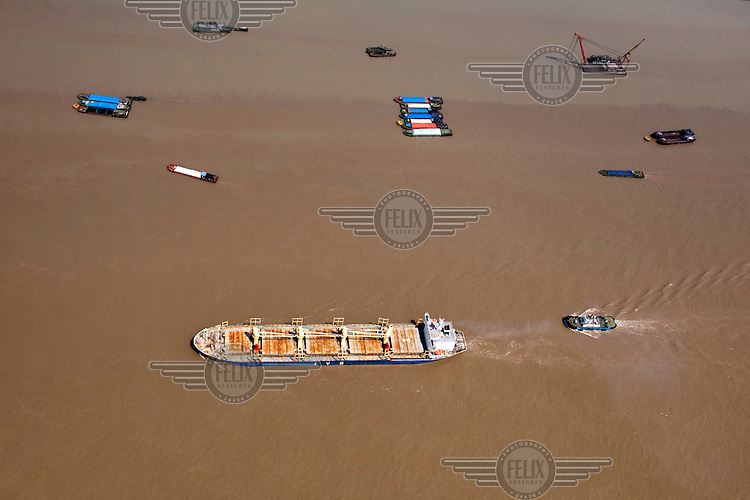 Barges on the Yangtze River. /Felix Features