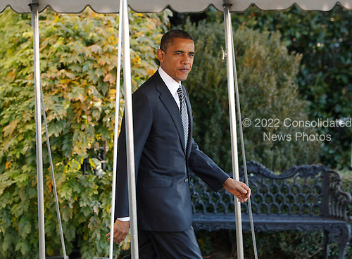 United States President Barack Obama departs the White House for a trip to South East Asia on November 17, 2012. .Credit: Dennis Brack / Pool via CNP