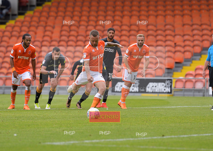 08/09/2018 Sky Bet League 1 Blackpool v Bradford City<br /> <br /> Jay Spearing scores from the first of two penalties