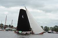 SKUTSJESILEN: GROU: SKS skûtsjesilen, Friese Sporten, 30-07-2011, Fryslân, skûtsje d'Halve Maen (Drachten), schipper Berend Mink, ©foto Martin de Jong..