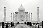 Black and white image of the Taj Mahal in Agra, India.