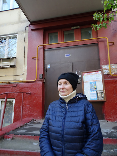 Jelena Korolkowa lebt in einer der Blocks und ist gegen dessen Abriss / Abrisspläne in Moskau 2017 für über 1 Million Menschen, Demolition plans in Moscow for over 1 Million people