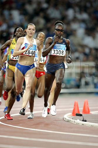 21 August 2004: American athlete Jearl Miles Clark (USA) running in the 1st Semi-Final of the Women's 800m held at the Olympic Stadium. 2004 Olympic Games, Athens, Greece. Photo: Neil Tingle/Action Plus...040821 olympics olympic athletics athletics athlete run runner runners running distance woman women's women.female