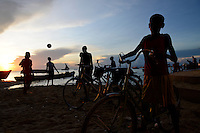 TANZANIA Zanzibar, Stone town, evening at sea / TANSANIA Insel Sansibar, Stonetown, abends am Meer
