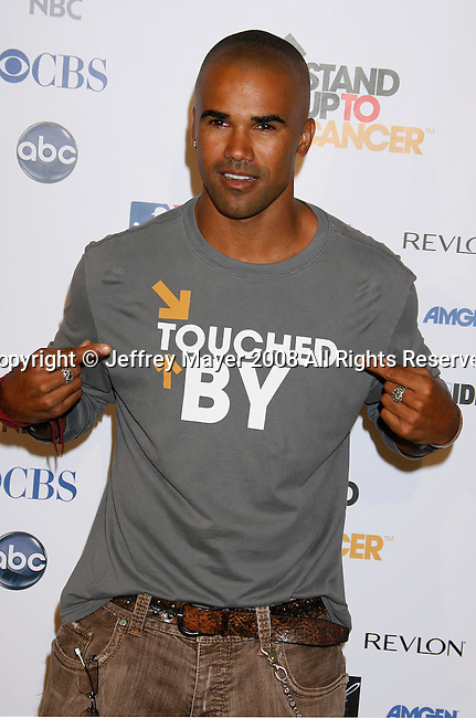 HOLLYWOOD, CA. - September 05: Shemar Moore arrives at Stand Up For Cancer at The Kodak Theatre on September 5, 2008 in Hollywood, California.
