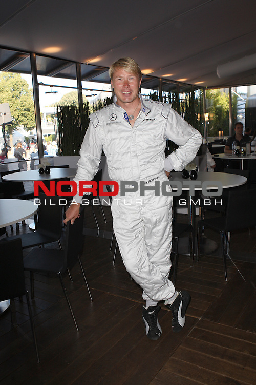 16.07.2011, Olympia Stadion, Muenchen, GER, DTM, DTM Show Event in Muenchen, im Bild <br /> Mika Hakkinen <br />   // during the DTM Show Event , on 2011/07/16, Olympia Stadion, Munich, Germany, Foto &copy; nph / Straubmeier