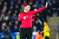 9th November 2019; King Power Stadium, Leicester, Midlands, England; English Premier League Football, Leicester City versus Arsenal; Referee Chris Kavanagh  halts play for a VAR review - Strictly Editorial Use Only. No use with unauthorized audio, video, data, fixture lists, club/league logos or 'live' services. Online in-match use limited to 120 images, no video emulation. No use in betting, games or single club/league/player publications