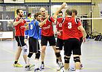 2015-10-24 / volleybal / seizoen 2015-2016 / Geel - Elen / svbo / De Heren 1 van VC Geel vieren een punt tegen Elen