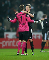 FUSSBALL   1. BUNDESLIGA   SAISON 2012/2013    22. SPIELTAG SV Werder Bremen - SC Freiburg                                16.02.2013 Torwart Oliver Baumann (li) und Matthias Ginther (re, beide SC Freiburg) freuen sich nach dem Abpfiff