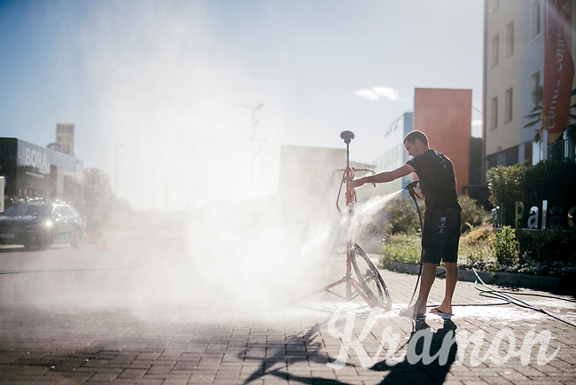 Trek-Segafredo mechanic Julen Urbano cleaning the bikes after the stage<br /> <br /> 100th Giro d'Italia 2017