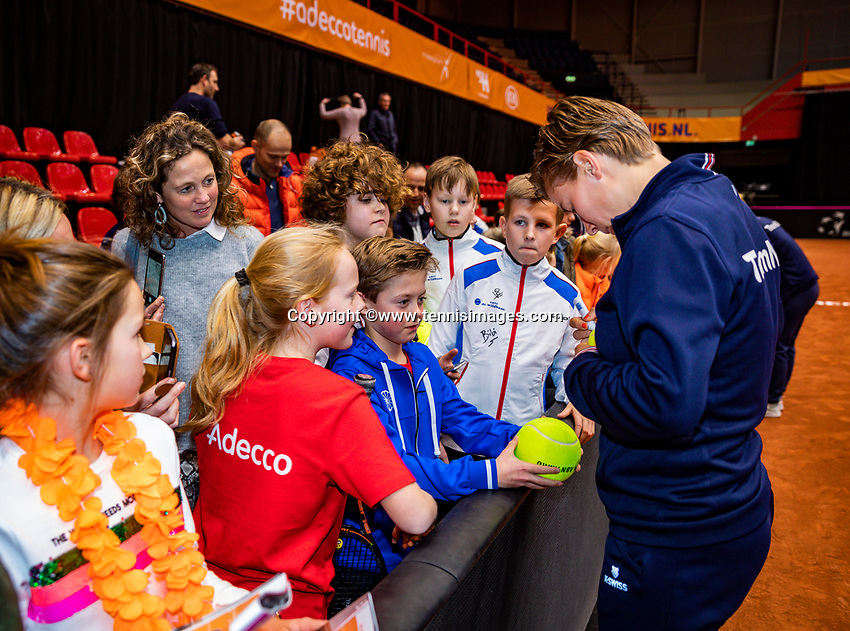 Den Bosch, The Netherlands, Februari 9, 2019,  Maaspoort , FedCup  Netherlands - Canada,  Kids Press Conference With Richel Hogenkamp, Bibiane Schoofs and Demi Schuurs<br /> Photo: Tennisimages/Henk Koster
